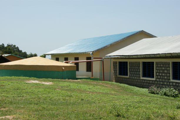 2008 Nieuwe watertank Menzamwenye secondary
